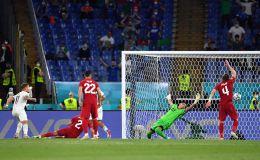 Goleada italiana en el arranque de la Euro